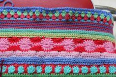 Mixed stripey blanket tutorial by little woollie, part 4. Part 3 here http://littlewoollie.blogspot.ie/2012/09/crochet-along-update-2.html Part 2 here littlewoollie.blo... Part 1 here littlewoollie.blo...