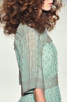 What Queen Alyssa Velaryon, married to King Aenys Targaryen, would have worn, Jenny Packham Verde Vintage, Azul Tiffany, Jenny Packham, Fashion Details, Catwalk, Dress Up, Dress Skirt, Feminine, Glamour