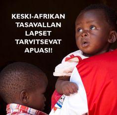 Auta Keski-Afrikan tasavallan kriisistä kärsiviä lapsia! www.pelastakaalapset.fi/kat  Kuva: Mark Kaye/Pelastakaa Lapset