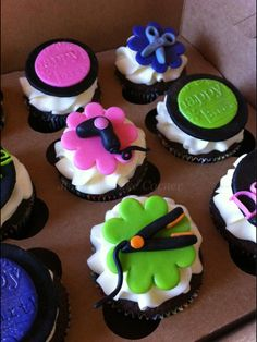 Salon cupcakes--showing dryers and flat irons in icing