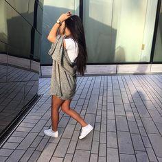 Designer Clothes, Shoes & Bags for Women Dubai Fashion, Fashion News, Fashion Outfits, Fashion Styles, Street Fashion, Ivana Santacruz, Long Black Hair, Basic Outfits, Dressed To Kill