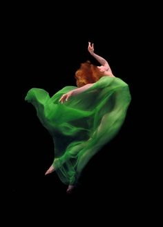 Green, red, in motion ~ ღ
