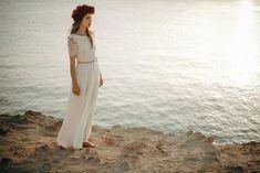 Beach – Luna Bride Lace Beach Wedding Dress, Open Back Wedding Dress, Bohemian Wedding Dresses, Boho Dress, Dress Beach, Goddess Dress, Bohemian Bride, Stunning Dresses, Swatch