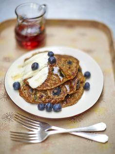 Christmas Breakfast: Vegan blueberry pancakes