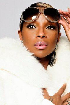 Mary J Blige is the Queen in Lloyd Klein Fox bomber jacket