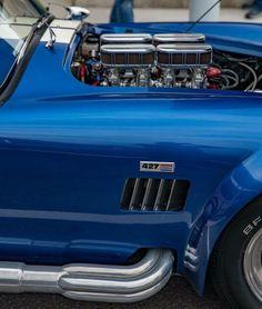 Shelby Cobra 427.