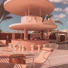 Art Deco Hotel, Miami Art Deco, Futuristic Architecture, Architecture Details, Interior Architecture, Interior And Exterior, Architecture Diagrams, Building Architecture, Architecture Portfolio