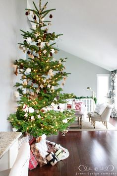 christmas house tour: northwest coastal edition - i love how tall this tree is :)