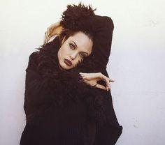 Angelina Jolie, October 1995