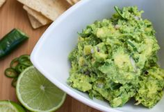 It hard to imagine making guacamole even more delicious. So good thing you don't have to! One bite of any one of these 26 creative guacamole recipes is all the proof you need. Best Guacamole Recipe, How To Make Guacamole, Mexican Food Recipes, Vegan Recipes, Avocado Recipes, Free Recipes, Salsa, Snacks To Make, A Food