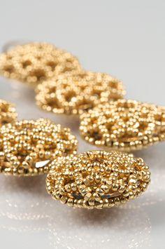 tute for beaded bezel pendant using one-cut charlottes + swarovski rivoli