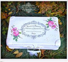 Antiguo Armario - Blog - Decoupage: Maleta vestido con rosas blancas y - Antiguo ambiente francés - Decoupage.