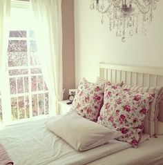 search teen girls bedroom, and everything has neon pink or zebra print, but i love the floral in this photo