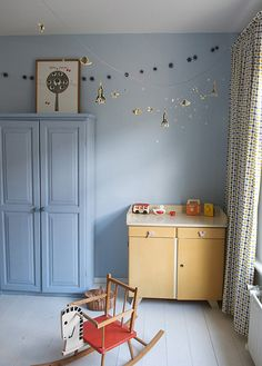 diy: space garland by the style files, via Flickr