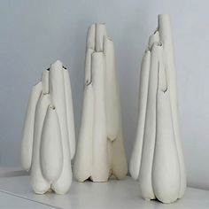 Claire Lindner is a ceramic artist who studies in both England and France.