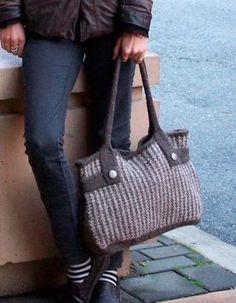 Felt Like Tweed Bag with bonus Mini Cellphone Purse pattern - Knitting Patterns by Moira Engel