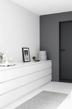 Malm dresser by IKEA is a brilliant piece, I've never seen a simpler yet more genius item for storage! It's suitable for all kinds of interiors: glam, minimalist, modern, retro, Scandinavian, rustic and so on – any style you can imagine. It can be easily hacked to fit any room: it can be a nightstand...