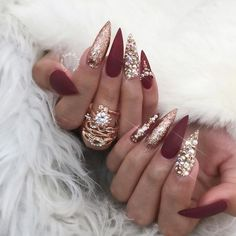 Why are stiletto nails so amazing? We have found the very Best Stiletto Nails for 2018 which you will find below. Having stiletto nails really makes you come off as creative and confident. You can be that fierce girl you always wanted to be! Nails 2018, Prom Nails, Fun Nails, Uñas Fashion, Fashion 2018, Burgundy Nails, Burgundy Nail Designs, Manicure E Pedicure, Red Manicure