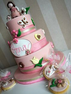 Thun for girls Bapthism cake in pink