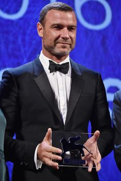 Liev Schreiber Photos - Liev Schreiber is awarded with the Persol tribute to Visionary Talent Award 2016 at the premiere of 'The Bleeder' during the 73rd Venice Film Festival at Sala Grande on September 2, 2016 in Venice, Italy. - Persol Tribute to Visionary Talent Award to Liev Schreiber - Inside the 73rd Venice Film Festival