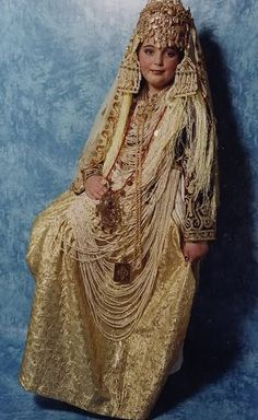 Traditional Algerian Clothes. Each region in Algeria has its own traditional costume.