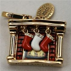 limit edition juicy couture charms   Juicy Couture 2010 Limited Edition Gold Fireplace Stockings Charm RARE ...