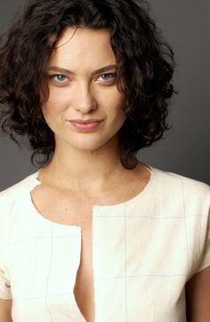 Shalom Harlow - The Cut