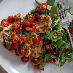Grilled Chicken Breast with Fresh Tomato Sauce