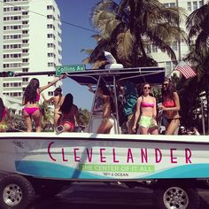 Collins Ave, Miami looking Fine today