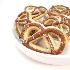 """""""pretzel"""" cookies…for the Super Bowl? 