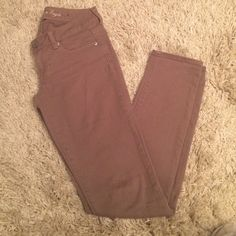 AE tan jeans American eagle tan skinny jeans. worn once or twice no signs of wear American Eagle Outfitters Jeans Skinny