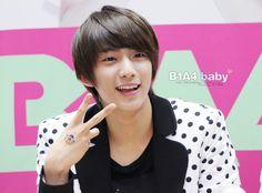 [FANPHOTOS] 110514 Kyobo Hottracks Jeonju Fansign (GONGCHAN) #1   Source: b1a4baby.tistory.com Reupload Credits: skipfire @ FLIGHTB1A4.com - See more at: http://aviateb1a4.tumblr.com/post/5591282527/fanphotos-110514-kyobo-hottracks-jeonju-fansign#sthash.RuVFPrxC.dpuf