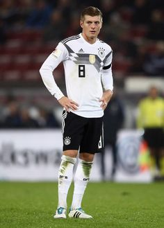 Toni Kroos Photos - Toni Kroos of Germany reacts during the international friendly match between Germany and France at RheinEnergieStadion on November 2017 in Cologne, Germany. - Germany v France - International Friendly Thomas Muller, Toni Kroos, Cologne Germany, Football Soccer, Cristiano Ronaldo, Bmx, Real Madrid, Fifa, Goal