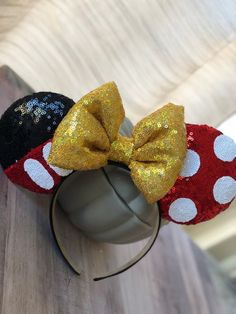 Mickey and Minnie Mouse inspired ears - Mickey mouse Disney Diy, Diy Disney Ears, Disney Crafts, Disney Land, Disney Ears Headband, Minnie Mouse Headband, Disney Headbands, Diy Headband, Ear Headbands