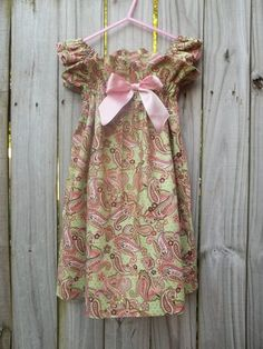 Dress - easy to do and made using this pattern: http://www.craftinessisnotoptional.com/2010/05/ice-cream-social-dress.html  #girl #sew #clothes #dress