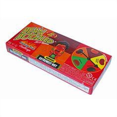 Flaming Five Challenge - это 100 гр экстремально острых драже и рулетка (spinner) для организации игры. Игроки по очереди крутят стрелку и съедают (если смогут) драже выпавшего цвета.  В серии Flaming Five - 5 острых вкусов. Внутри каждого боба этой серии - перцовая смесь, которая отличается только остротой. Вот вкусы этой серии в порядке от острого до самого острого: Sriracha - Jalapeno - Cayenne - Habanero - Carolina Reaper.  Десять раз подумайте прежде чем купить эти драже! Jelly Belly