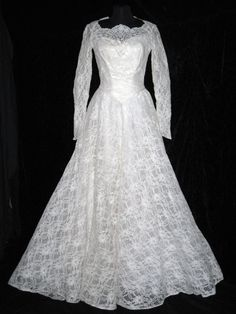 Vintage 1950s Chantilly Lace Tulle Net & Satin by CovetedCastoffs