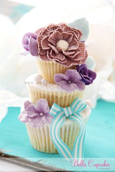 Easily the prettiest cupcake I have seen! Bella Cupcakes
