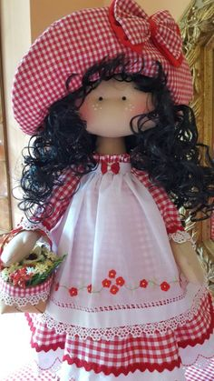 Blog de trabajos de María José Veira. Patchwork, calceta, ropita, muñecos, capotas, manteles, cortinas, bordados, ganchillo. Labores artesanales. Doll Clothes Patterns, Doll Patterns, Doll Toys, Baby Dolls, My Child Doll, Polymer Clay Dolls, Waldorf Dolls, Soft Dolls, Doll Crafts