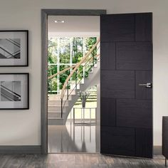Pre-finished Ravenna Oak Flush Coloured Door - Lifestyle Image.    #xljoinery #door