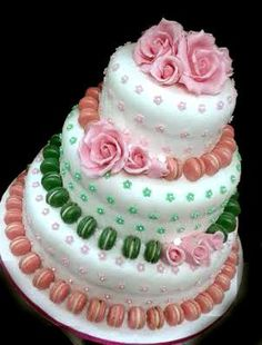 #macaron #weddingcake http://www.simocakedesigner.it