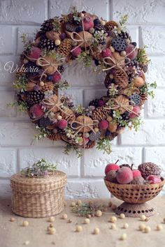 Natural wreath on the front door in rustic style, Summer wreath on the wall for home decoration, Spring wreath for all year round – Summer Diy – Spring Wreath İdeas. Christmas Front Doors, Christmas Door Decorations, Xmas Wreaths, Autumn Wreaths, Christmas Crafts, Burlap Wreaths, Halloween Wreaths, Wreath Fall, Burlap Halloween