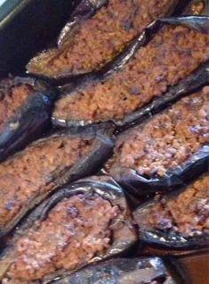 Μελιτζάνες Παπουτσάκια Pork, Meat, Baking, Kale Stir Fry, Bakken, Backen, Pork Chops, Sweets, Pastries