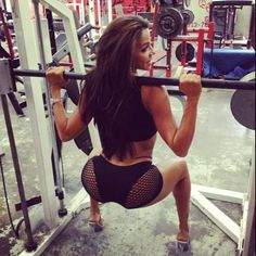 There is literally NOTHING better than a hot girl doing squats.