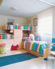 Tippek, hogyan lehet egy szobában 3 gyerekágy. Nem könnyű 2 vagy 3 gyereket egy szobában elhelyezni, hogy jusson hely az alvásra, kevés hely...