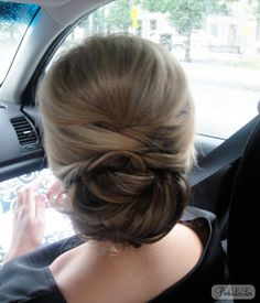 Coiffure mariage : PinkLouLou: July 2013 - wedding and engagement photo Fancy Hairstyles, Bride Hairstyles, Vintage Hairstyles, Hair Day, New Hair, Bridal Hair And Makeup, Hair Makeup, Mother Of The Bride Hair, Hair Inspiration
