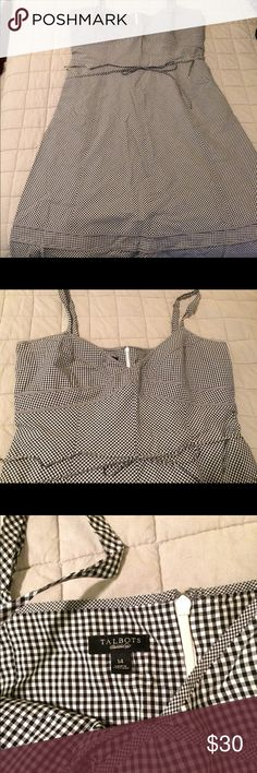 Talbots size 14 Gingham Dress - Black and white Black and White, fully lined, small string for around the waist. Talbots Dresses