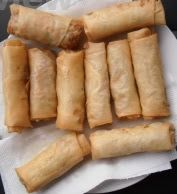Martine& kitchen: Spring rolls filled with minced meat - Loempia - Dutch Recipes, Asian Recipes, Vietnamese Recipes, Healthy Spring Rolls, Spring Roll Filling, Ramadan Recipes, Best Meat, Indonesian Food, Indonesian Recipes