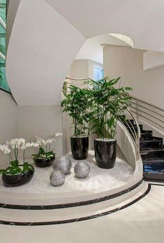 If you have an empty space under the stairs in your home, then maybe you can use this space for an indoor garden. And not any type of garden, but a small pebble garden that will Interior Garden, Home Interior Design, Interior Stairs, Interior Plants, Interior Ideas, Plant Design, Garden Design, Home Stairs Design, Stair Design