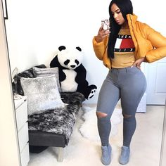 Today we are present to you some trendy collection of casual outfits which are beautiful which you can steal there styles while hanging with friends and spouse during the weekend . Curvy Outfits, Dope Outfits, Chic Outfits, Summer Outfits, Girl Outfits, Fashion Outfits, Ootd Fashion, Fashion Killa, Fashion Models